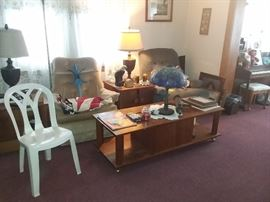 RECLINERS, WOOD COFFEE TABLE,