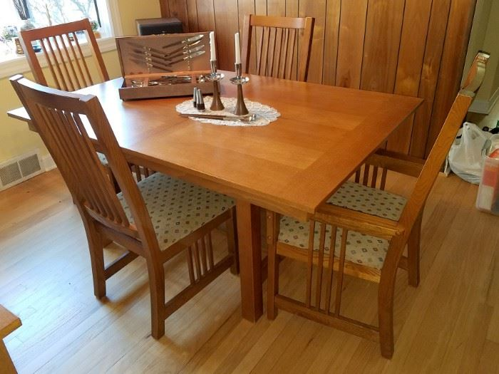Misison style dining room table and four chairs