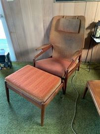 Unmarked lounge chair & ottoman (needs recovering) - Dux?