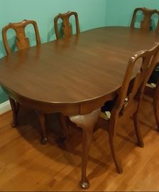 Mint Condition Dining Set Six Chairs