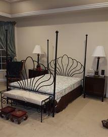 1. Queen Size Bedroom Set