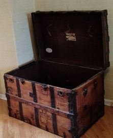 Antique Domed-Top Steamer Trunk, Vintage Victorian Barreled To Wedding/Brides Style Wooden Chest.   C 1880, has original interior with leather straps. Very nice find.
