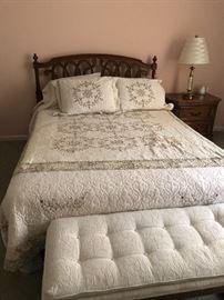 Bed room set Queen bed $100