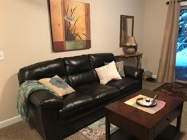 Bonded leather sofa in excellent condition