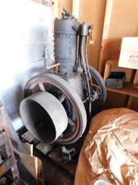 Antique Hit and Miss Engine(International Famous 5.5 Vertical Capacity/Needs Fuel Pump and Tank)