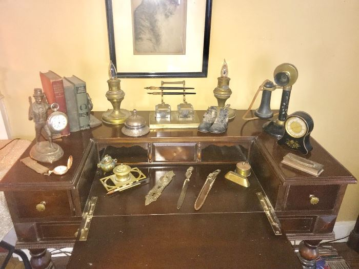 Open- writing table