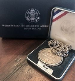 """1994 Silver dollar """"Women in Mimitary Service for America"""" proof coin on chain"""