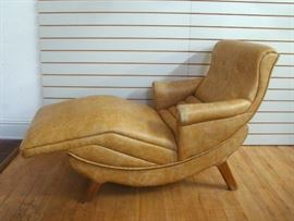 Midcentury Modern Contour Chair, with vibrating massage and tilt functions