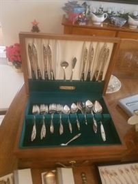 Nice vintage silverplated flatware set