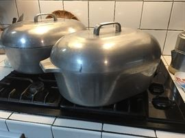 2 Large Vintage Wagner Ware Magnalite  Roaster/ Dutch Oven and Collection of other Magnalite Pots