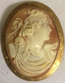10K Gold Bezel Antique Cameo Brooch/Pendant