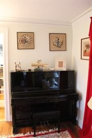 WONDERFUL UPRIGHT PIANO