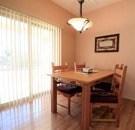 Dining/Kitchen table and chairs for sale. In pristine condition.