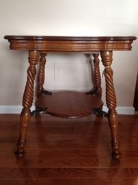 Gorgeous hand carved table $269