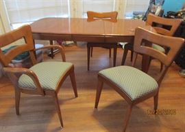 Mid Century Modern Heywood Wakefield table and 6 chairs