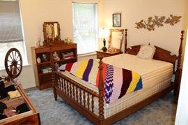 bedroom queen set