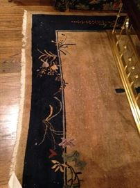 Very fine antique rug - 6 feet x 9 feet