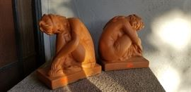 DECO BOOKENDS