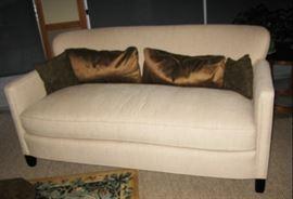Sweet love seat         BUY IT NOW $ 155.00