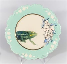 LOT 6  NEW IN BOX NATURE TABLE BY LOU ROTA CHAMELEON PLATE