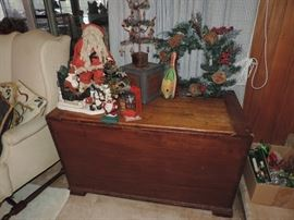 19th C. Dovetail Hinged - Half Lid Box with Unique SLANTED FRONT ! ... HOLIDAY DECOR!