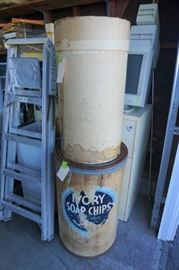 """Look at that old """"Ivory Soap Chips"""" drum"""