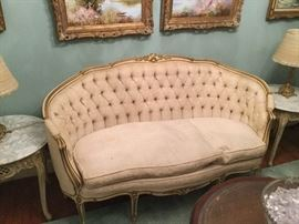 TUFTED FRENCH LOVESEAT