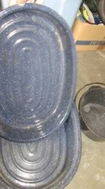 2 Vintage full size granite roasters very good co ...