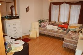 Bedroom/linens