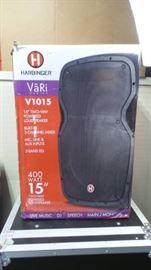 Harbinger Vari Series 15 V1015 Powered Speaker