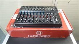 Harbinger LvL Series L1402FXUSB 14 channel compac ...