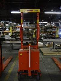 Interthor Electric Pallet Lift