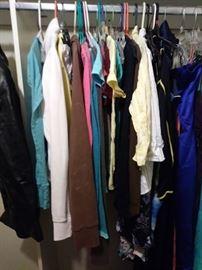 Hollister girls clothing sizes  S-M
