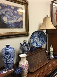 Large collection of blue and white china pieces