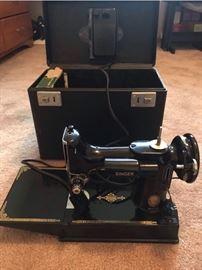 Antique Singer 221K Featherweight sewing machine