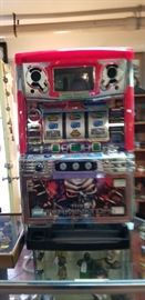 Working Slot Machine with tokens. The Terminator