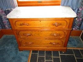 Victorian chest of drawers with marble top