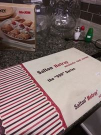 New in box Salton hotplate - great for holiday entertaining
