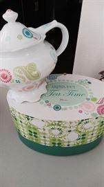 Rosanna pottery tea pot