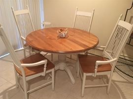 white & wood dining set w/ leaf