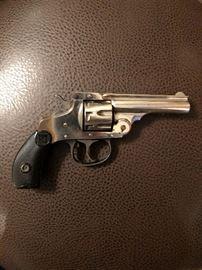Harrington and Richardson Arms Corp Revolver