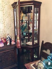 Display cabinet - franklin mystic & Egyptian dolls