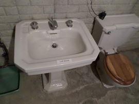 1930s Era White pedestal sink
