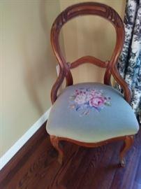 Elegant slipper chair
