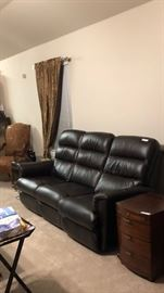 La-Z-Boy Leather Couch; perfect condition