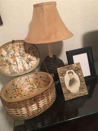 KET009 Vintage Sewing Basket, Lamp and Frames