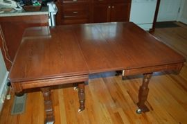 Vintage kitchen/dining table, 3 leaves