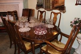 DINING ROOM TABLE, 6 CHAIRS (2 ARM CHAIRS), 2 LEAVES & TABLE PAD.  THE MAKER IS WHITNEY FURNITURE COMPANY