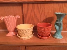 Variety of vintage vases/pots    https://ctbids.com/#!/description/share/74556