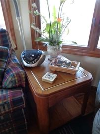 assorted wood lamp tables & coffee tables